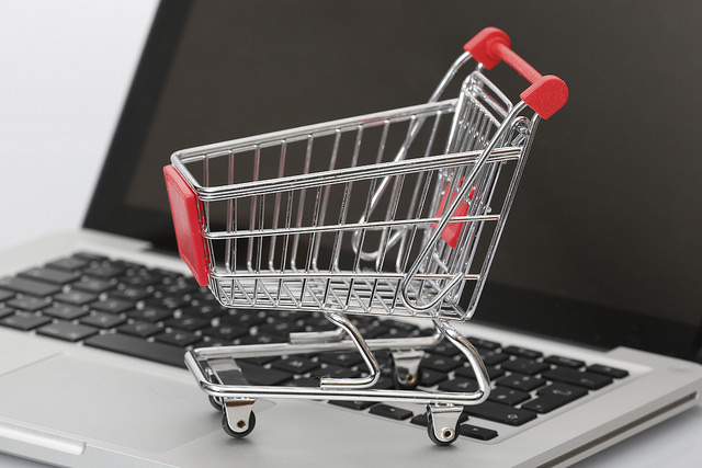 Lucrează şi tu în managementul de conţinut pentru magazine online, în regim de freelancer!