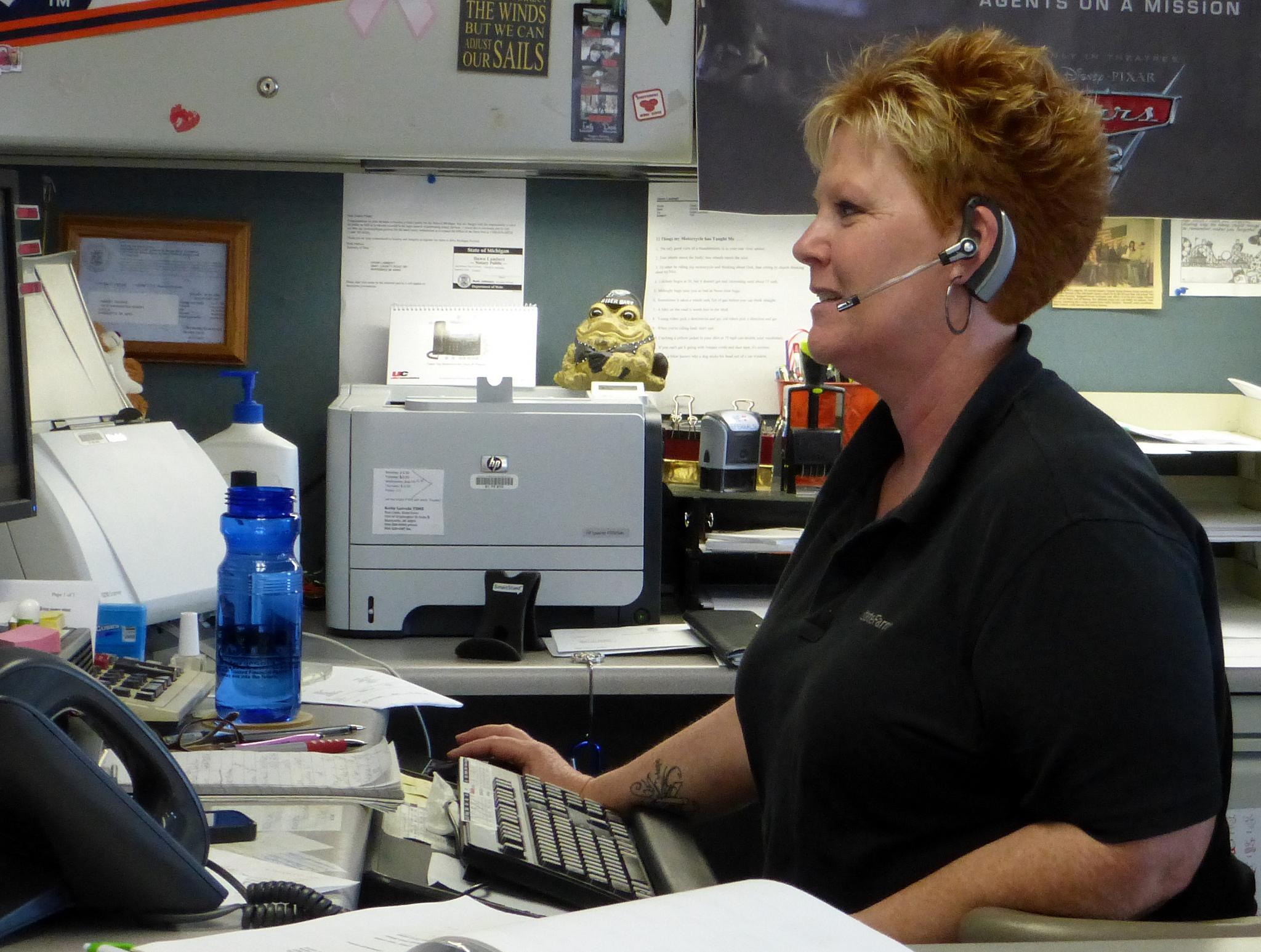 Ce înseamnă să lucrezi ca asistent virtual?