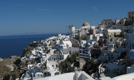 Santorini, abruptă și serenă. Ideală pentru freelanceri